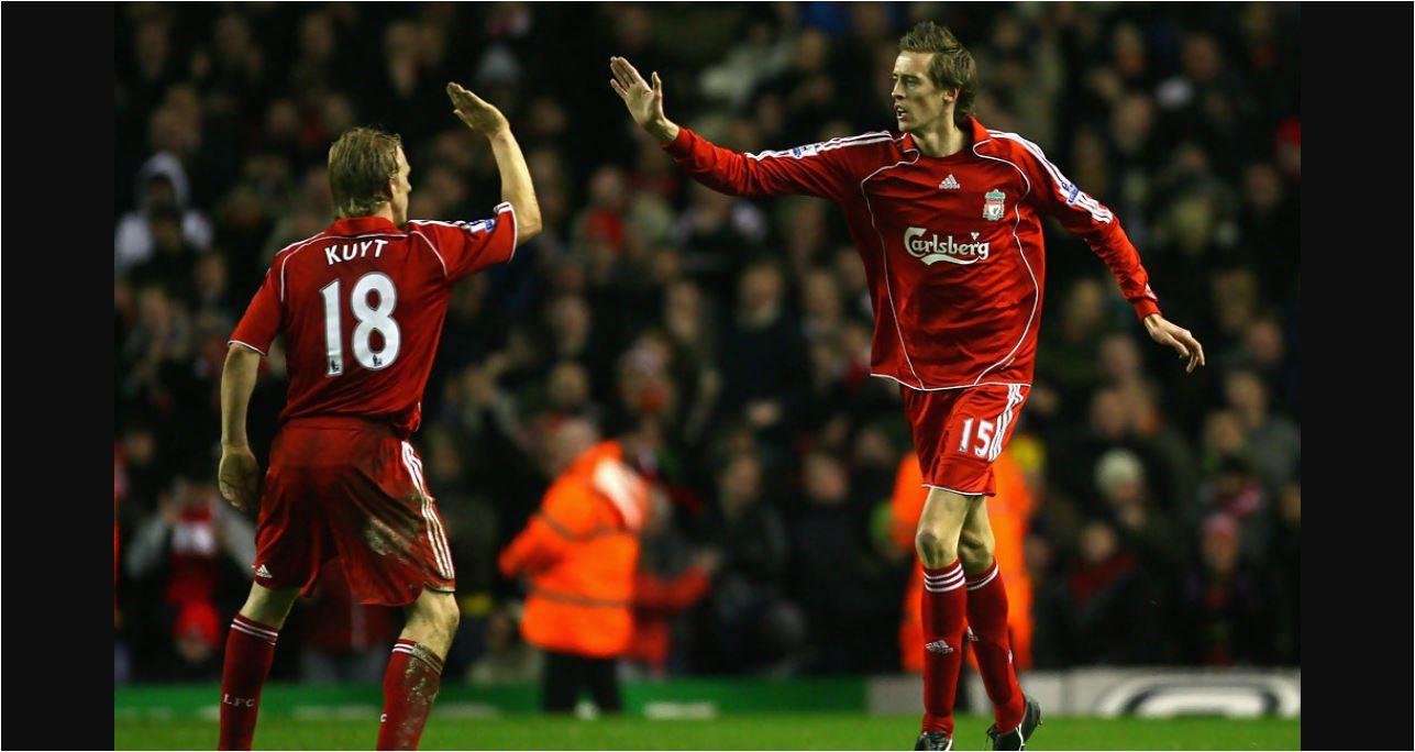 Tolong! Legenda Liverpool Ini Kemalingan Mobil, Ternyata Dipakai Celup-celup