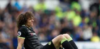 Masalah gaji yang kemahalan membuat Arsene Wenger urung memboyong bek Chelsea, David Luiz, ke Arsenal.