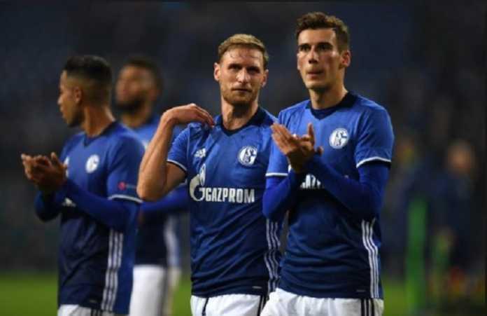 Benedikt Howedes dukung keputusan rekannya, Leon Goretzka, untuk pindah ke Bayern Munchen meski ia dicerca suporter klubnya, Schalke.