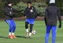 Borussia Dortmund mengincar striker Chelsea, Michy Batshuayi, untuk jadi pengganti Pierre-Emerick Aubameyang.