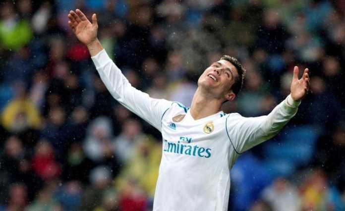 Cristiano Ronaldo lagi-lagi mengaku ingin kembali ke Manchester United, karena merasa dibohongi pihak Real Madrid.