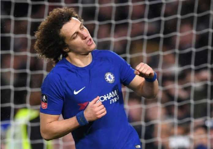 Chelsea siap melepas David Luiz ke Arsenal demi datangkan Olivier Giroud ke Stamford Bridge.