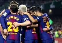 Para pemain Barcelona merayakan gol mereka di babak kedua, ciri khas mematikan di Liga Spanyol musim ini