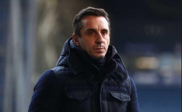 Gary Neville terkejut Manchester City berhenti mengejar Alexis Sanchez, dan biarkan Man United dapatkan pemain itu.