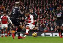 Alexandre Lacazette mencetak gol keempat Arsenal dalam laga Liga Inggris melawan Crystal Palace, Sabtu malam WIB di Emirates Stadium.