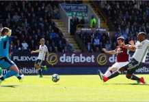 Anthony Martial mencetak gol bagi Manchester United dalam laga Liga Inggris di kandang Burnley, Sabtu malam