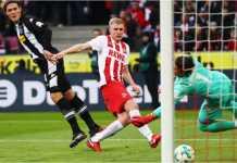 Frederik Soerensen mencetak gol bagi Koln dalam laga Liga Jerman melawan Borussia Monchengladbach, Minggu malam