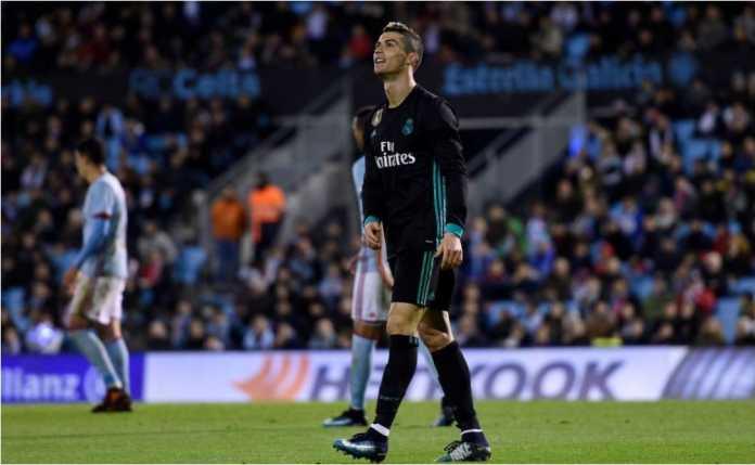 Cristiano Ronaldo melampiaskan kekecewaan setelah gagal mencetak gol bagi Real Madrid