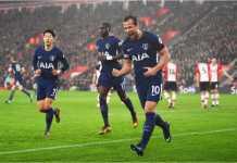 Harry Kane merayakan golnya pada menit 18 dalam laga Liga Inggris antara Southampton vs Tottenham Hotspur, Minggu malam