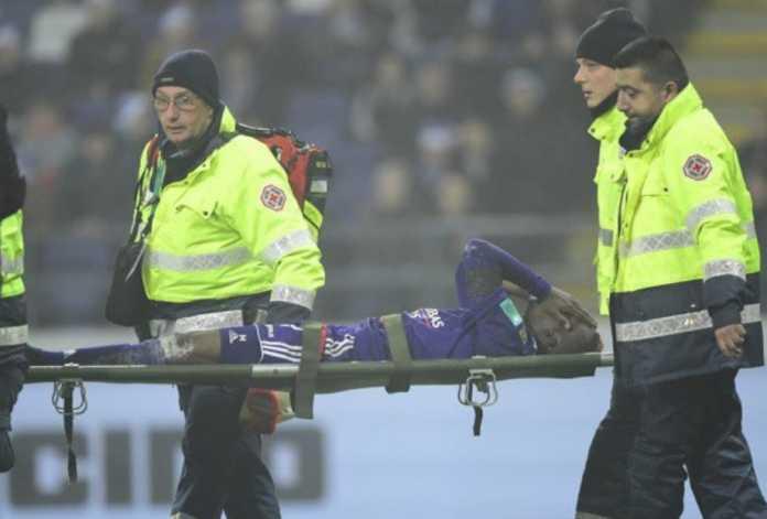 Pemain sepakbola Everton yang dipinjamkan ke Anderlecht, Henry Onyekuru, terancam absen membela Nigeria dari ajang Piala Dunia 2018 usai cedera serius yang ia alami.