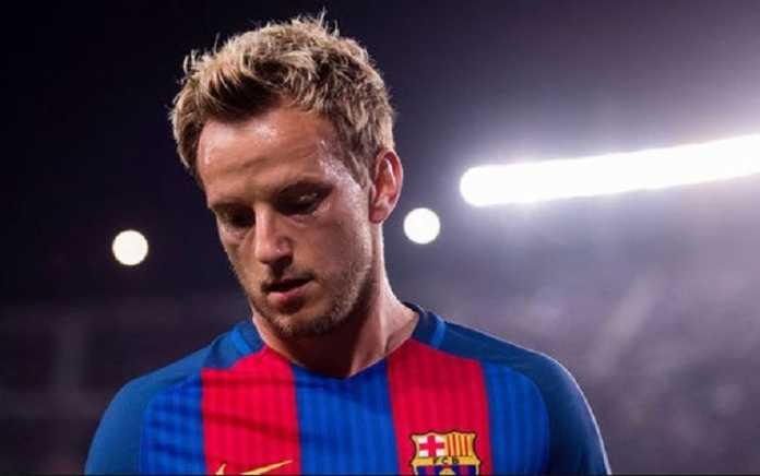 Ivan Rakitic mengaku pada Lionel Messi, ia akan hengkang dari Barcelona jika Philippe Coutinho datang.