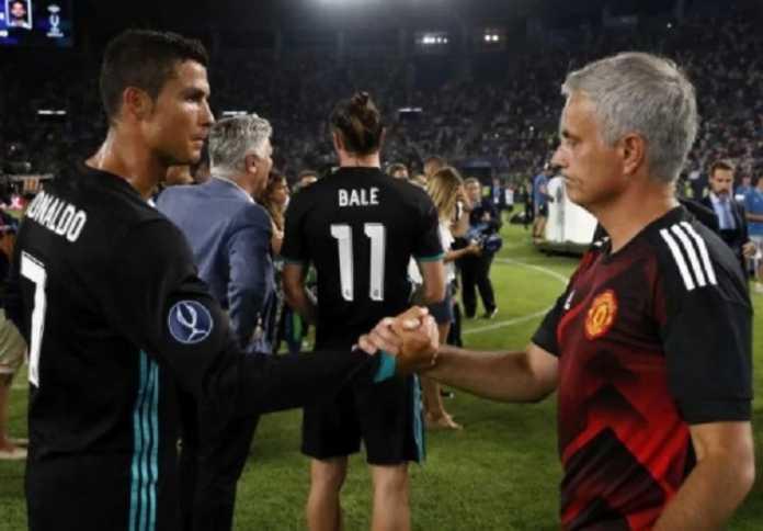 Cristiano Ronaldo akan kembali ke Manchester United? Dengar dulu tanggapan pelatih Jose Mourinho mengenai isu tersebut.