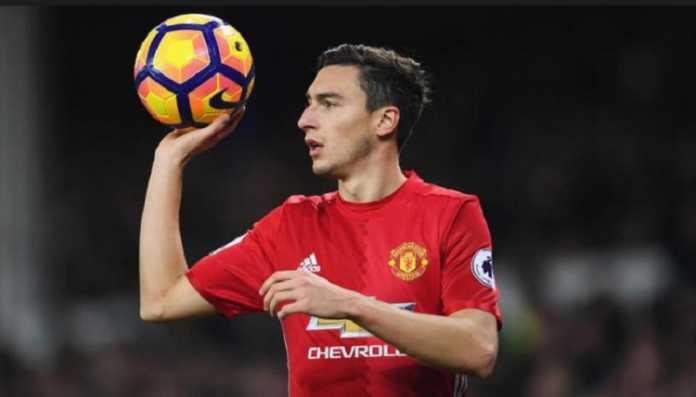 Juventus serius ingin datangkan Matteo Darmian dan siap ajukan tawaran untuk bek Manchester United itu pada musim panas mendatang.