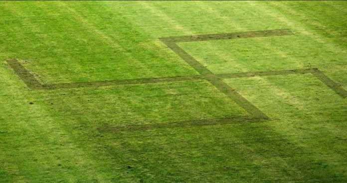Timnas Kroasia akan gelar pertandingan tertutup kontra Inggris di laga perdana Grup A4 Uefa Nations League gara-gara penampakan lambang Nazi di atas lapangan.