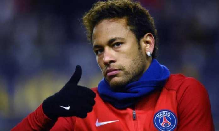 Manchester United ikuti jejak Real Madrid memburu Neymar dan siap gelontorkan Rp8 triliun untuk pemain asal Brasil itu.