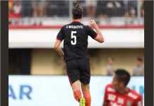 Steven Markovic merayakan golnya bagi Borneo FC setelah menjebol gawang tuan rumah Bali United di masa injury time babak pertama laga Piala Presiden di Gianyar, Jumat sore (foto: twitter @PusamaniaBorneo)