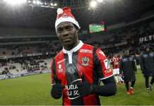 Napoli mengaku ingin memboyong Mario Balotelli dari Nice secara cuma-cuma pada musim panas mendatang.