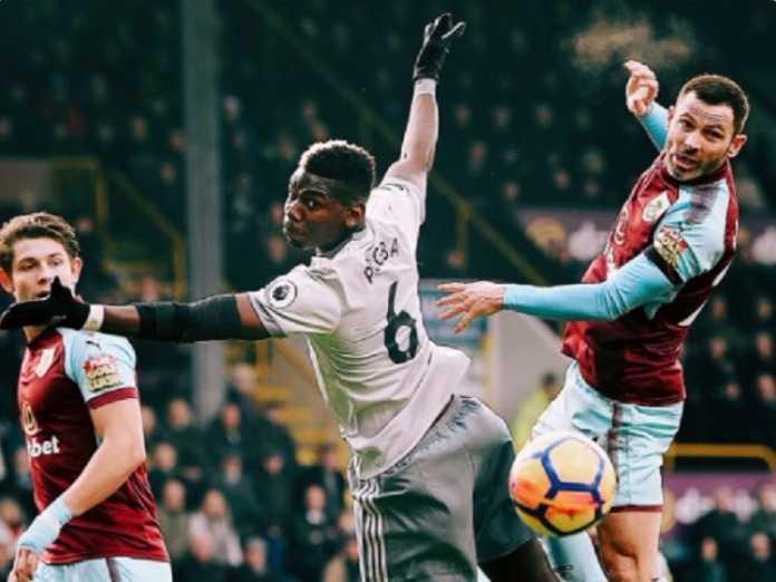 Paul Pogba minta Manchester United naikkan gajinya dua kali lipat, setelah ia melihat klubnya akan memberi pemain baru, Alexis Sanchez, besaran gaji yang dua kali lipat dari gaji Pogba saat ini.