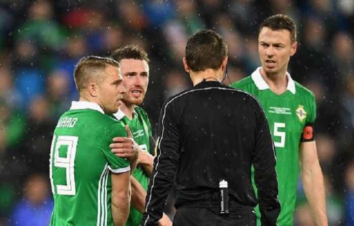 Wasit pemberi penalti pada Swiss di laga vs Irlandia Utara mengaku salah dalam putuskan hal tersebut.