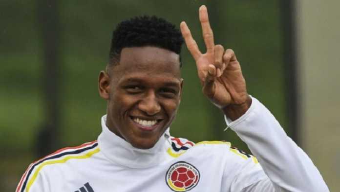 Bek Palmeiras Yerry Mina resmi menjadi pemain baru ke dua Barcelona di bursa transfer musim dingin ini.