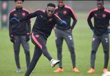 Arsene Wenger ingin Danny Welbeck teken kontrak baru di Arsenal, meskipun pemain itu absen selama 18 bulan terakhir akibat berbagai masalah cedera.