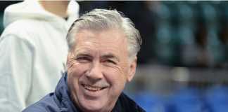 Carlo Ancelotti siap gantikan Arsene Wenger jika Arsenal benar-benar mencopot pelatih asal Prancis itu dari jabatannya.