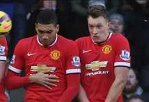 Jose Mourinho berniat mencari bek baru untuk Manchester United musim panas mendatang, lalu menjual Chris Smalling dan Phil Jones.