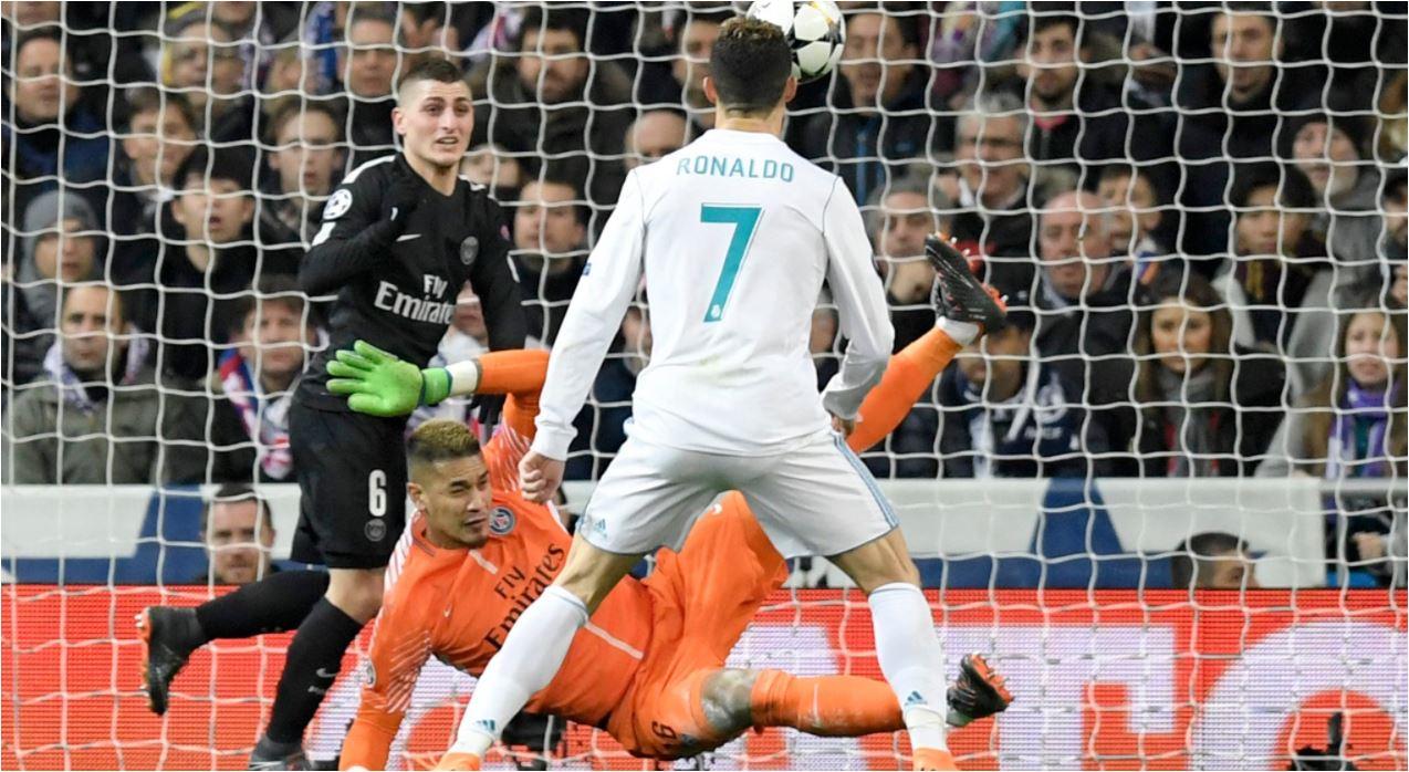 Aksi Cristiano Ronaldo di depan gawang PSG pada laga leg pertama 16 besar Liga Champions, Kamis 15 Februari 2018.