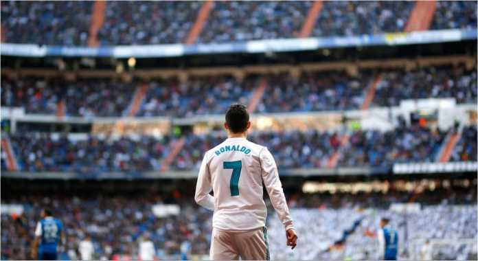 Cristiano Ronaldo mengoleksi 11 gol di ajang Liga Champions musim 2017/2018 per tanggal 15 Februari 2018.