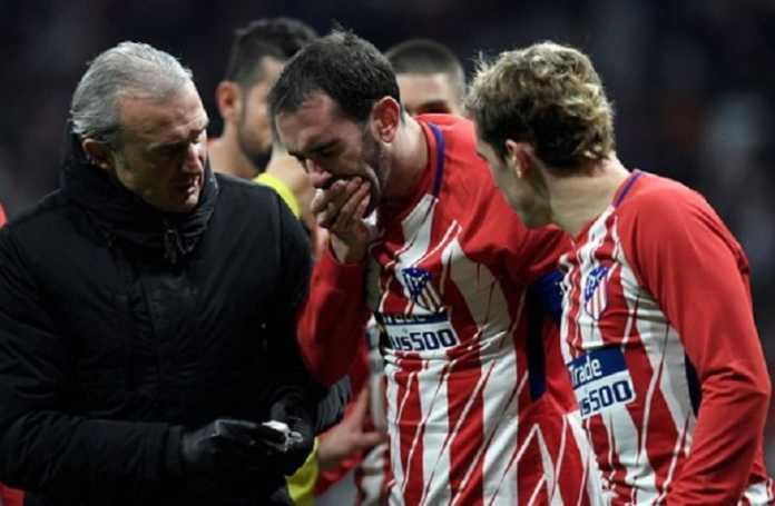 Atletico Madrid kehilangan Diego Godin selama tiga pekan, setelah ia kehilangan tiga gigi di laga melawan Valencia akhir pekan kemarin.