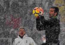 Laga antara Juventus kontra Atalanta akhirnya ditunda karena hujan badai dan baru akan digelar pada 14 Maret mendatang.