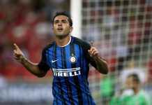 Pemain Inter Eder mencetak gol cepat 1 menit 31 detik ke gawang Bologna pada laga Liga Italia, Minggu (11/02/2018).