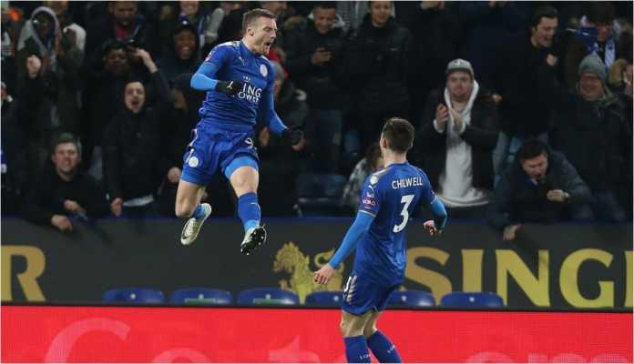 Jamie Vardy merayakan golnya di menit 66 bagi Leicester City pada laga putaran kelima Piala FA, Sabtu, melawan Sheffield United, yang usai dengan skor 1-0.