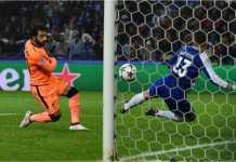 Mohamed Salah mencetak gol kedua bagi Liverpool pada leg pertama 16 besar Liga Champions, Kamis 15 Februari 2018, di kandang Porto.