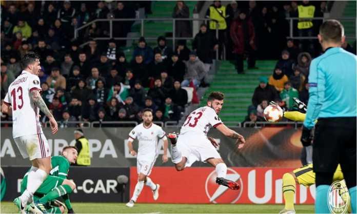 Patrick Cutrone mencetak gol pertama AC Milan pada laga 32 besar Liga Europa, Jumat, melawan tuan rumah Ludogorets.