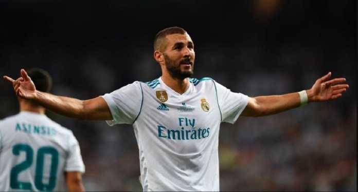 Karim Benzema dituntut tampil gemilang saat Real Madrid menjamu PSG di leg pertama babak 16 besar Liga Champions, Rabu (14/2) dinihari nanti, atau ia akan dibuang.
