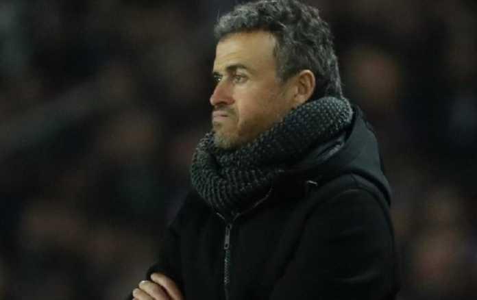 Luis Enrique dikabarkan akan boyong Luis Suarez dari Barcelona, jika ia gantikan Conte di Chelsea.
