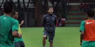 Luis Milla tak terlalu ambil pusing dengan cedera yang dialami tiga pemain yang dipanggil untuk ikuti seleksi Timnas U-23, meski sempat khawatirkan kondisi tiga pemain tersebut.