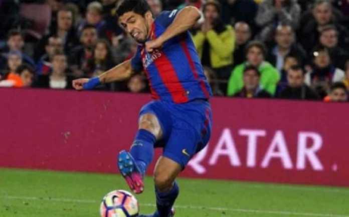 Luis Suarez berada dalam bahaya dan terancam absen di final Copa del Rey, jika ia kembali kantongi kartu kuning di kandang Mestalla dinihari nanti.