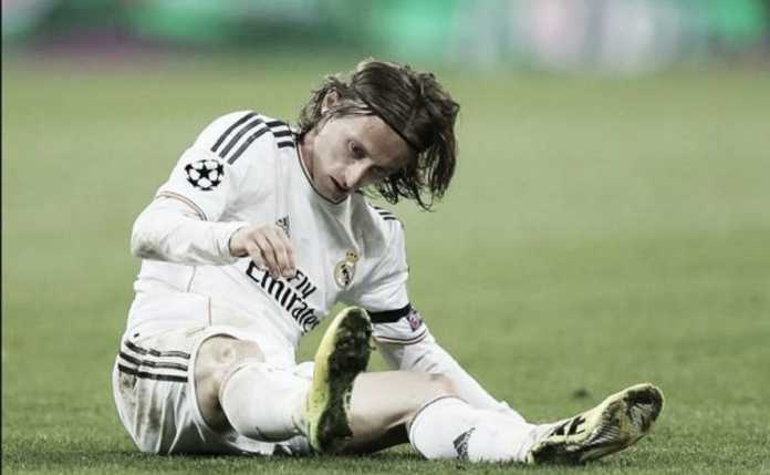 Luka Modric menambah panjang daftar pemain Real Madrid yang cedera jelang laga leg ke dua babak 16 besar Liga Champions melawan PSG awal Maret mendatang.