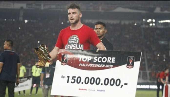 Penyerang Persija Jakarta, Marko Simic, menyedot perhatian dari pecinta sepakbola setelah ia jadi pemain terbaik dan pencetak gol terbanyak, setelah membawa tim Macan Kemayoran jadi juara Piala Presiden 2018 dengan kalahkan Bali United, 3-0.