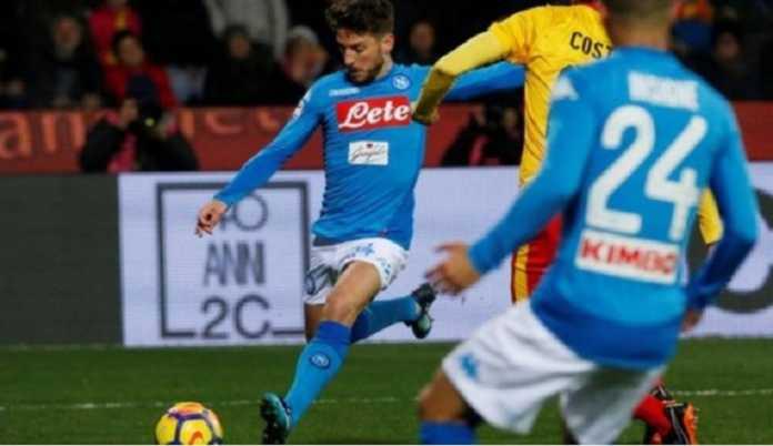 Napoli kembali ke posisi teratas klasemen Serie A usai kalahkan Benevento, 2-0, setelah sebelumnya sempat digeser Juventus ke posisi dua.
