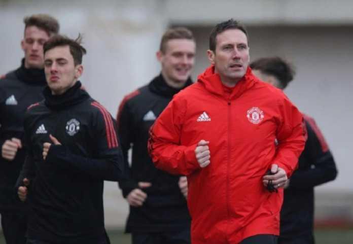 Pelatih Timnas Wales yang baru, Ryan Giggs, siap bajak staf pelatih yang juga mantan rekannya di Manchester United, Tony Strudwick.