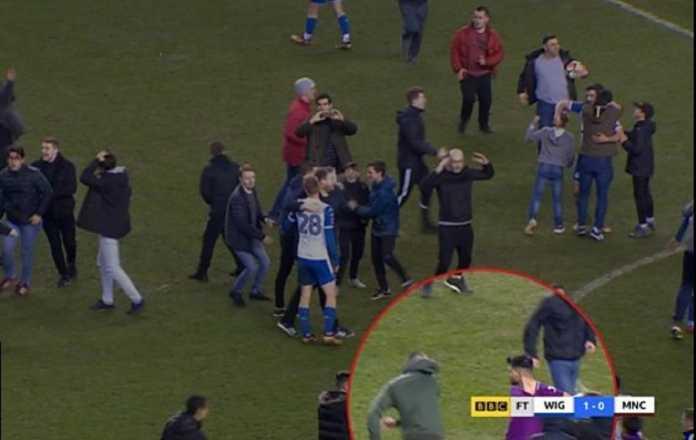 Sergio Aguero dinyatakan terbebas dari hukuman setelah ia tertangkap kamera memukul seorang suporter Wigan, saat City kalah 0-1 di ajang FA Cup awal pekan ini.