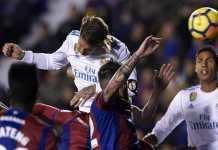 Sergio Ramos saat mencetak gol bagi Real Madrid melawan Levante di ajang Liga Spanyol