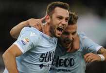 Juventus, Manchester City dan Manchester United langsung pasang radar setelah Stefan de Vrij tolak kontrak baru yang disodorkan Lazio.