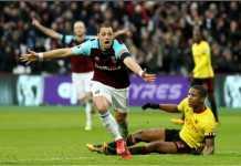 Mantan Real Madrid Javier Hernandez mencetak gol pertama bagi West Ham, Sabtu malam, saat menjamu Watford yang usai dengan skor akhir 2-0.