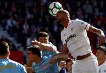 Pertarungan di depan gawang oleh para pemain Sevilla vs Girona dalam laga Liga Spanyol, Minggu malam.