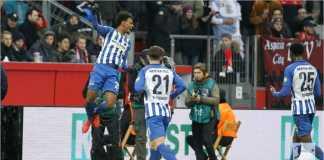Valentino Lazaro merayakan golnya untuk Hertha Berlin pada laga Liga Jerman di kandang Bayer Leverkusen, Sabtu malam.