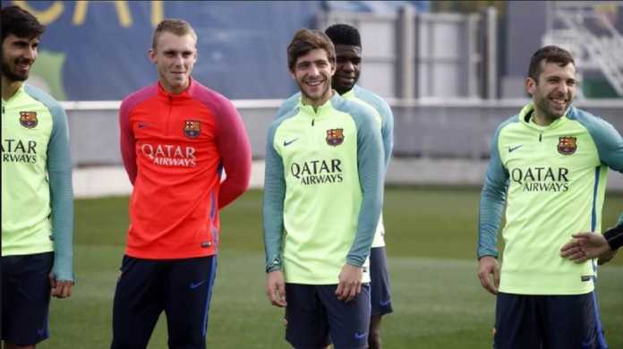 Dua bintang lini tengah Barcelona, Andres Iniesta dan Sergi Roberto, telah kembali latihan serta ikut bersiap-siap hadapi Chelsea di leg kedua babak 16 besar di Camp Nou, Kamis (15/3) dinihari WIB.